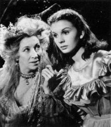 Jean Simmons (young Estella) with Martita Hunt (Miss Havisham) in David Lean's 1956 film of Great Expectations